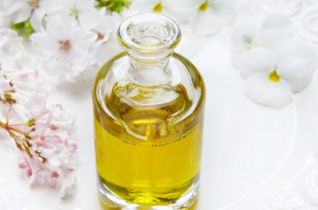 Alege parfumul potrivit de primavara – Mirosuri si Esente