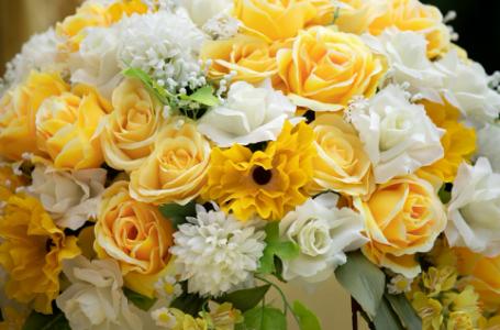 Care sunt cele mai frumoase ambalaje pentru buchetele de flori?