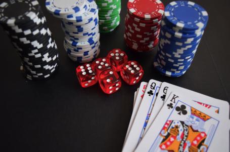 Cum să joci poker Texas Holdem: Ghid pentru începători